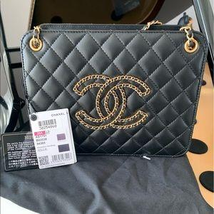 Chanel   20A Black Lambskin Accordion Handbag
